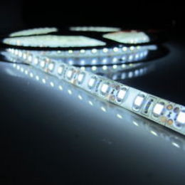 5M 15W 300x5050 SMD RGB Light LED Strip Lamp (DC 12V)
